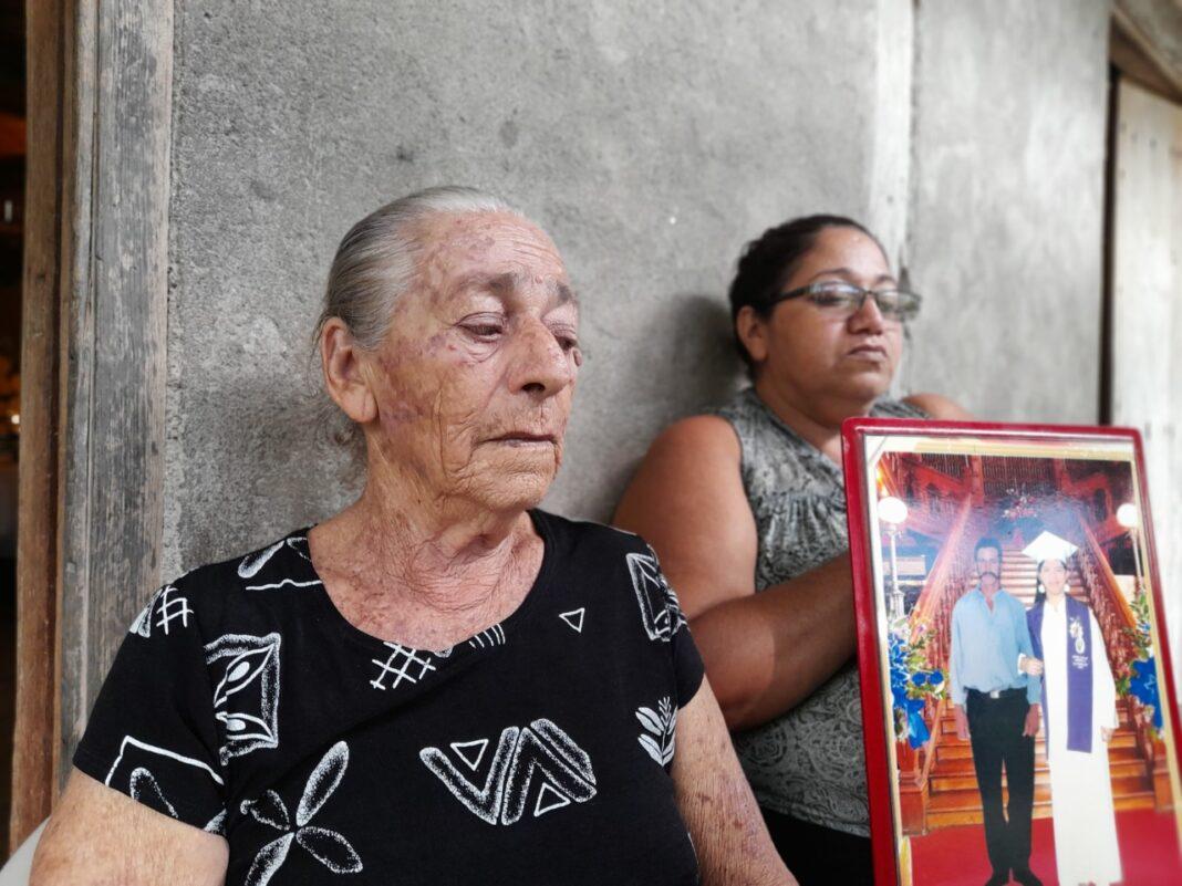 Familiares de Gerardo Gutierrez El Flaco asesinado en Honduras